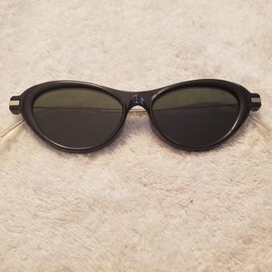 Prada Ladies Sunglasses NWOT